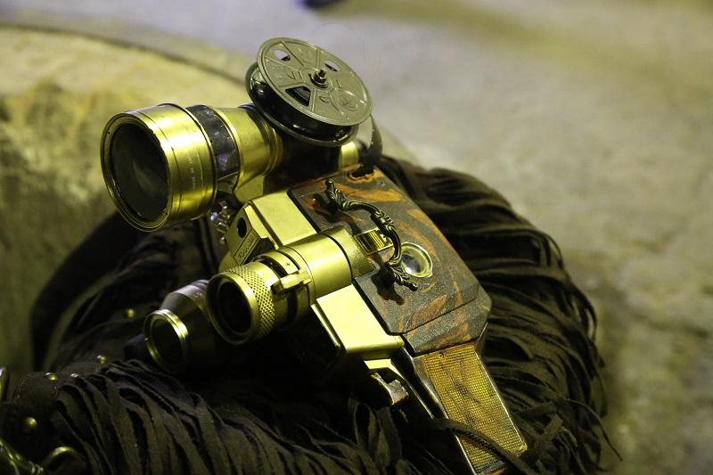 參眼式多分割測光録画機